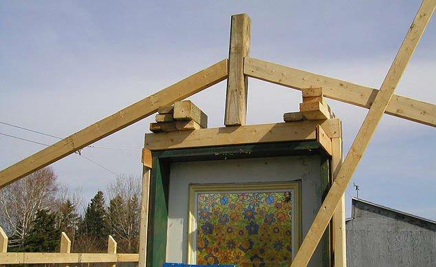Как сделать крышу для теплицы 980