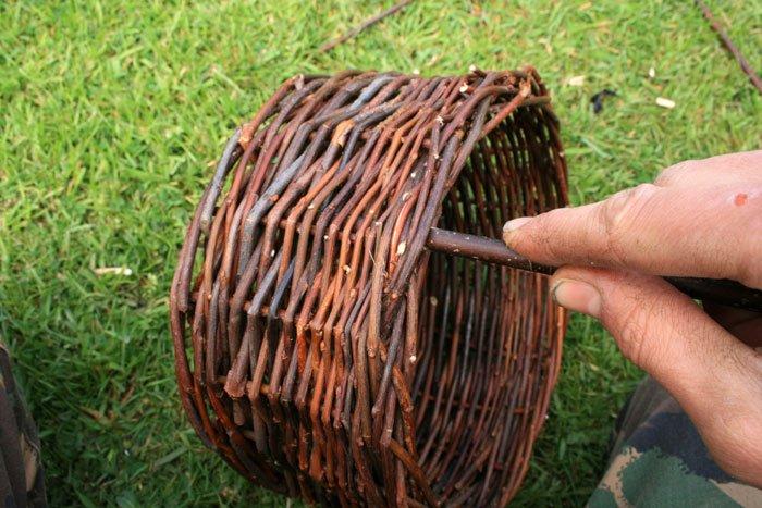 Как сделать корзину из прутьев своими руками